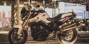 BMW F 800 R Akrapovic una versión especial más deportiva