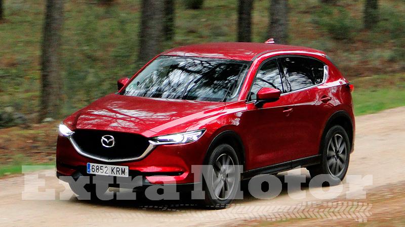 Prueba Mazda CX-5, tres cuartos trasero, tres cuartos delantero 2